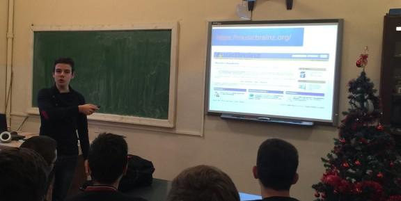 Romanian student Borza Alex presenting MusicBrainz to his classmates.